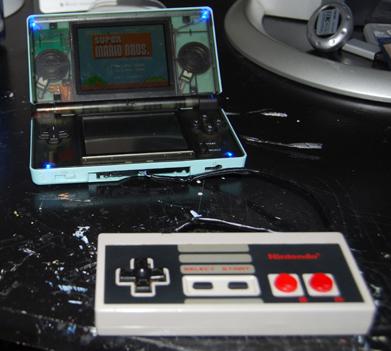 Old School : Piloter votre Nintendo DS avec un pad de NES.