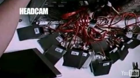 Augmentez le taux de transfert, installez 24 Disques SSD en RAID.