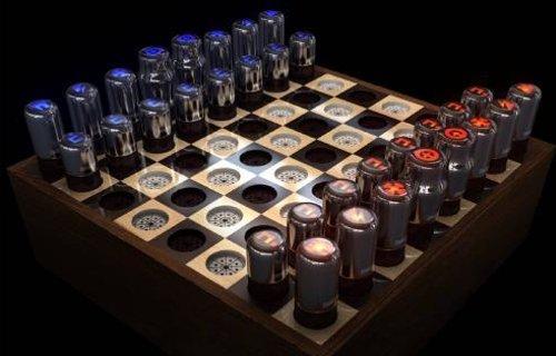 Un plateau d'échec à base de lampes à tubes.
