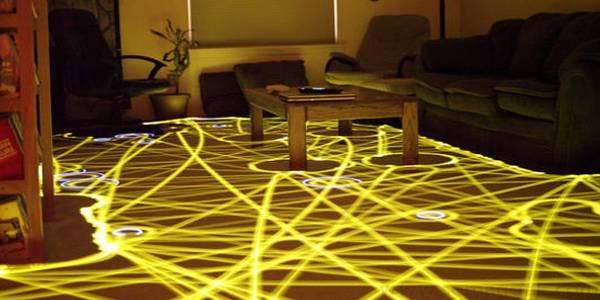 Faites de l'art avec votre robot aspirateur Roomba.
