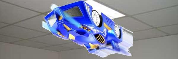 Une voiture RC qui défie les lois de la gravité.