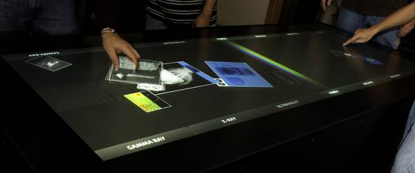 ideum_table_multitouch_geante