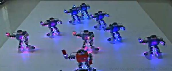 Une Chorégraphie de Robots pour Noël.
