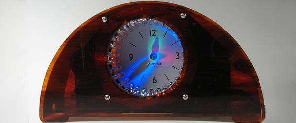 Bulbdial Clock : Une horloge originale à LED RVB.