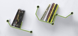 Short Circuit Self : Des étagères en forme de pistes électroniques.
