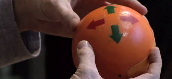 Puyocon : Une interface de contrôle en forme de boule.