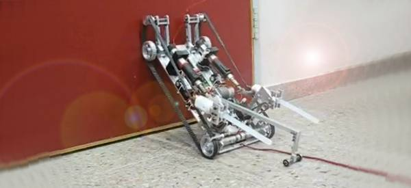 Vidéo : Une compilation de robots grimpeurs de murs.