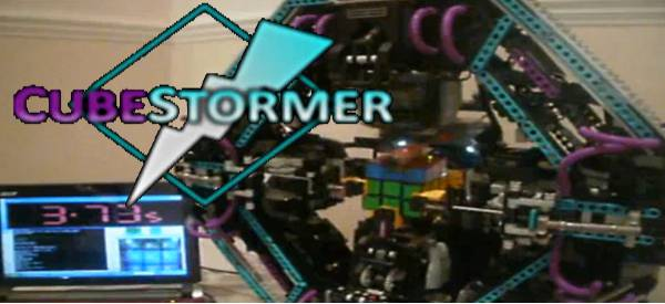 CubeStormer : Un robot en Lego Mindstorm qui joue au Rubik's Cube.