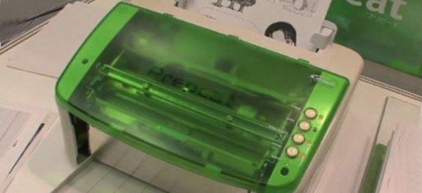 L'imprimante sans encre qui imprime, efface et réimprime.