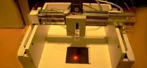 Vidéo : Une machine CNC de découpe laser DIY
