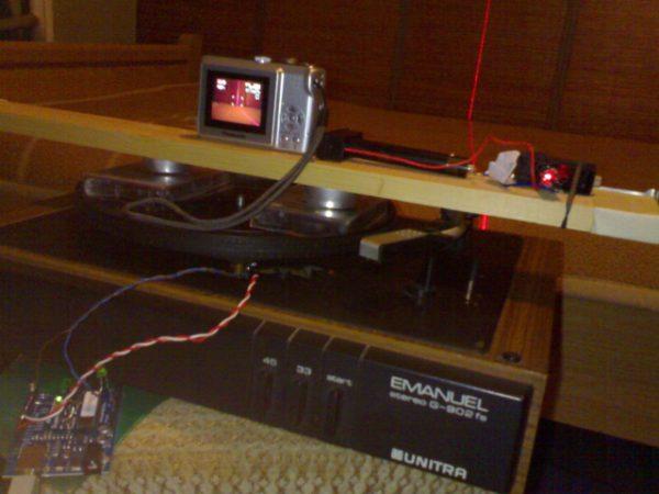 Gut gemocht DIY : Fabriquer un scanner 3D avec un kit Arduino et un tourne  UI37