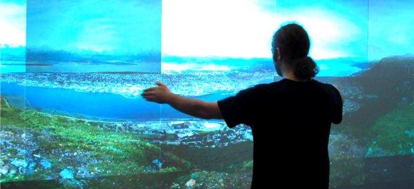 Un écran géant intéractif de 22 MégaPixels pour une photo de 13.3 GigaPixels