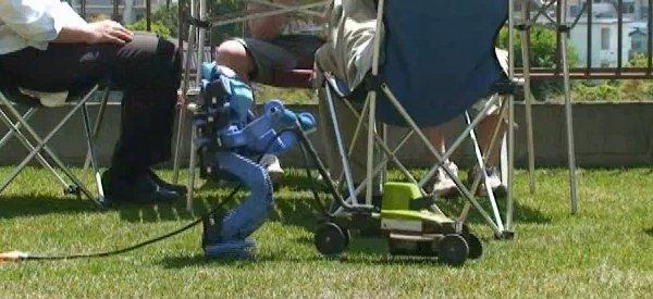 Vidéo : TinyWave, le Robot humanoïde qui sait tout faire.