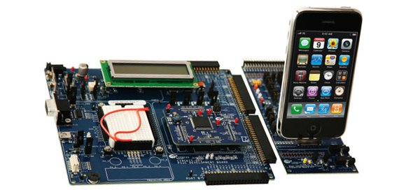 Cypress commercialise un kit PSoC avec un dock Iphone.