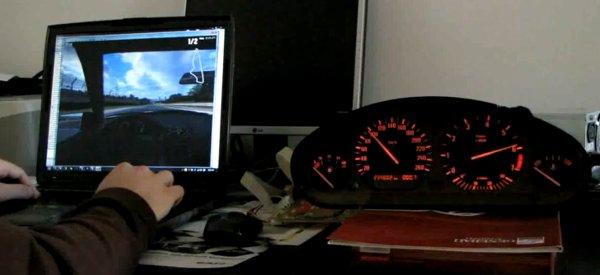 DIY : Connecter un compteur de voiture à une simulation de course automobile