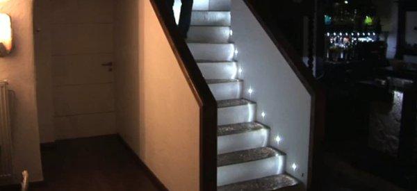 DIY : L'escalier à éclairage intéractif d'Edo.