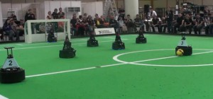 RoboCup German Open 2010 : Un match de football avec des robots