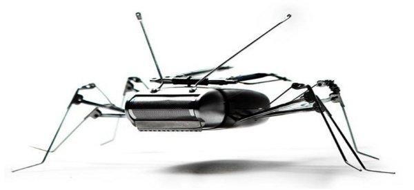 Des sculptures de robots à base de pièces détachées d'objets électroniques.