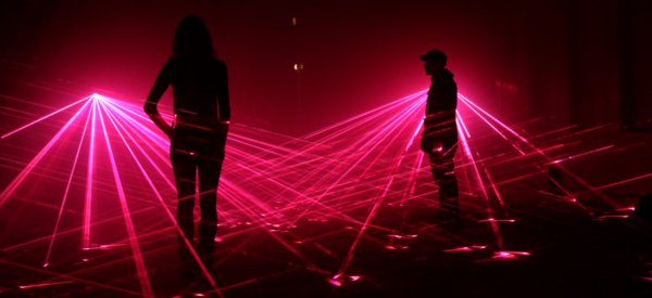 Speed of Light : Quand le laser devient oeuvre d'art