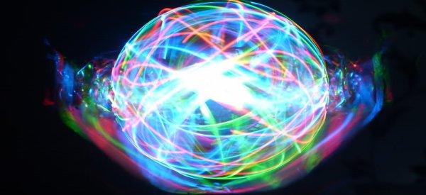 LED Orb 2.0 : Une sphère POV RVB en rotation à base de LED