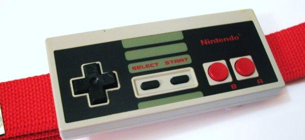 8 Bits : Une boucle de ceinture Nintendo NES