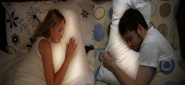 Pillow Talk : Des oreillers communicants pour les couples séparés