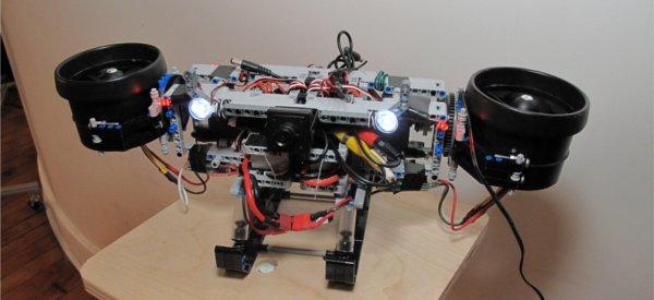 Scout : Le robot Lego hélicoptère à bi-rotor ou hydroglisseur
