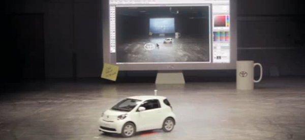 Vidéo : Quand Toyota transforme sa voiture iQ en souris géante...