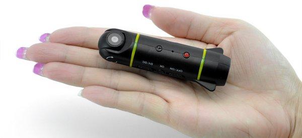 Un caméra embarquée miniature dédiée pour les avions radio-commandé