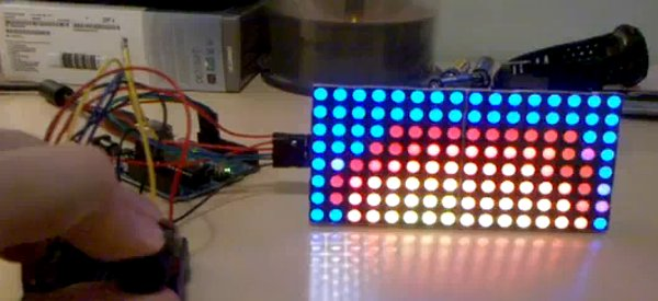 Arduino : Faire du feu sur une matrice de LED RVB, c'est possible...