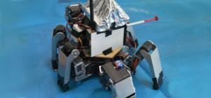 Mech Warfare : Des combats de robots avec tourelle de canons et cellule solaire.