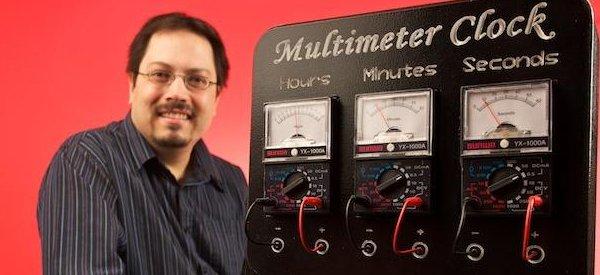 DIY : Fabriquer une horloge qui affiche l'heure avec 3 multimètres