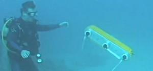 AQUA 2, un robot amphibie qui navigue sur terre et dans l'eau à la perfection
