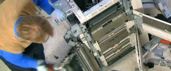 Vidéo : Comprendre le fonctionnement d'un photocopieur en le démontant