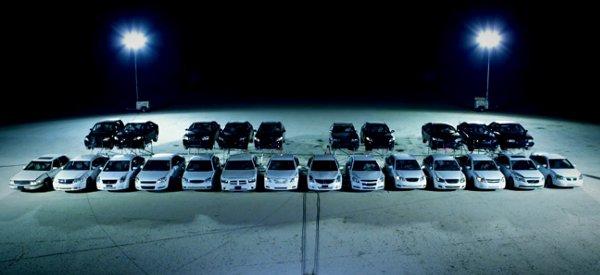 DieHard Platinium : Un concert de klaxon avec 24 voitures et une seule batterie