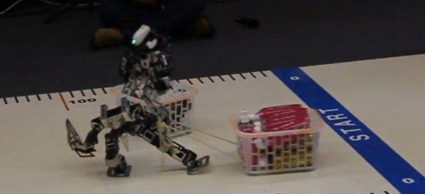 Wonderful Robot Carnival : Une épreuve où les robots transportent des bouteilles