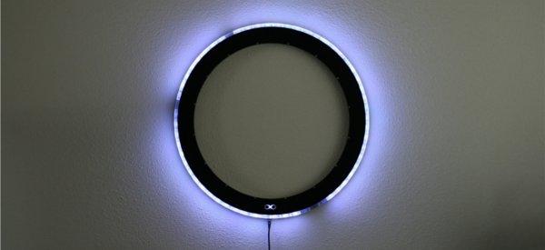 Equinox Clock : Une horloge murale originale avec 60 LED RVB