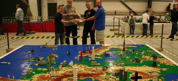 Euromap : Une carte de l'Europe entièrement réalisé avec des LEGO