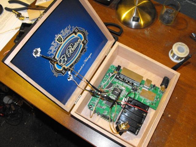 Diy fabriquer un hotspot wifi r p teur autonome nergie solaire semageek - Fabriquer antenne wifi exterieur ...