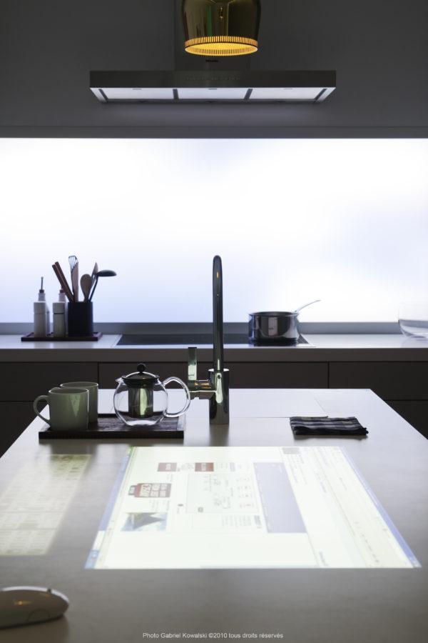 Innovation la cuisine avec clavier int gr dans le plan - Changer le plan de travail de la cuisine ...