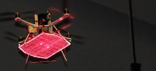 Un drone hélicoptère seulement alimenté par des lasers bat des records
