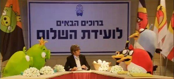 Vidéo : Un traité de paix pour les oiseux et les cochons d'Angry Birds ?