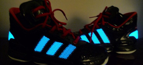 Adidas et Oryon Tech développent des chaussures avec ELastolite EL au look de Tron