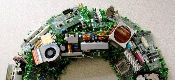 DIY : Fabriquer une couronne de Noel bien Geek