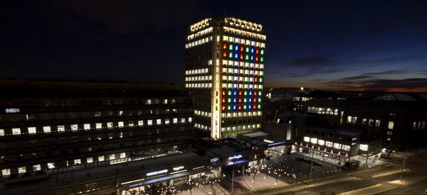 Une projection Tron Legacy sur les façades d'un building de Oslo