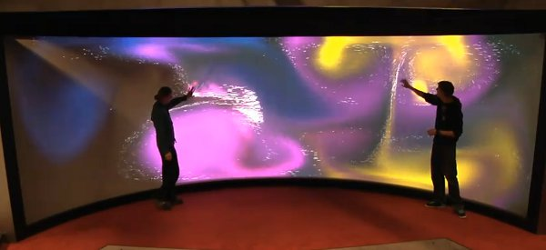 Reality TouchScreen: l'écran géant multitouch incurvé de l'université de Groningen