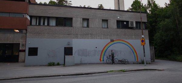 Robo Rainbow : Le vélo robotisé DIY qui dessine des arc en ciel.