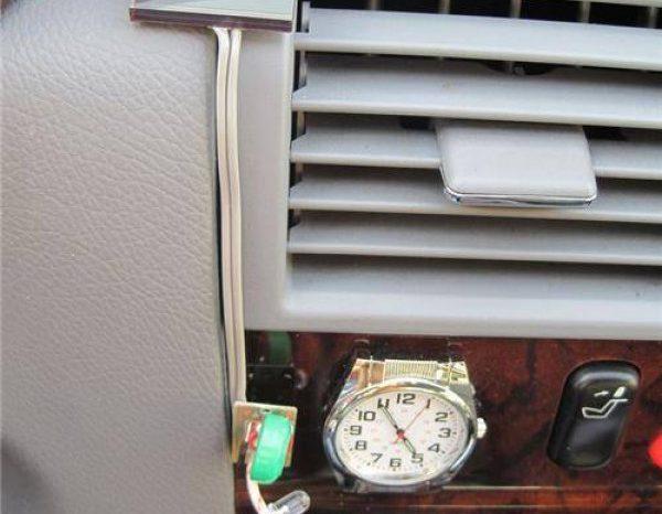 DIY : Fabriquer une horloge à éclairage solaire pour votre voiture