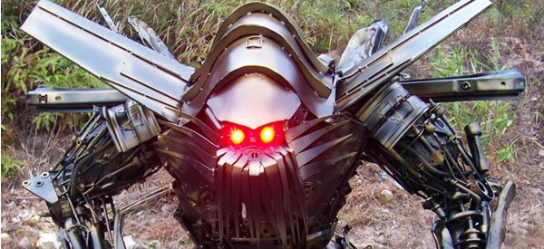 Des incroyables sculptures de robots Transformer en métal