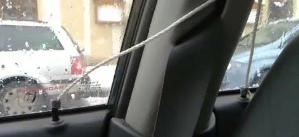 Vidéo : Fabriquer un système d'ouverture centralisée des portières DIY sur votre vieille voiture.